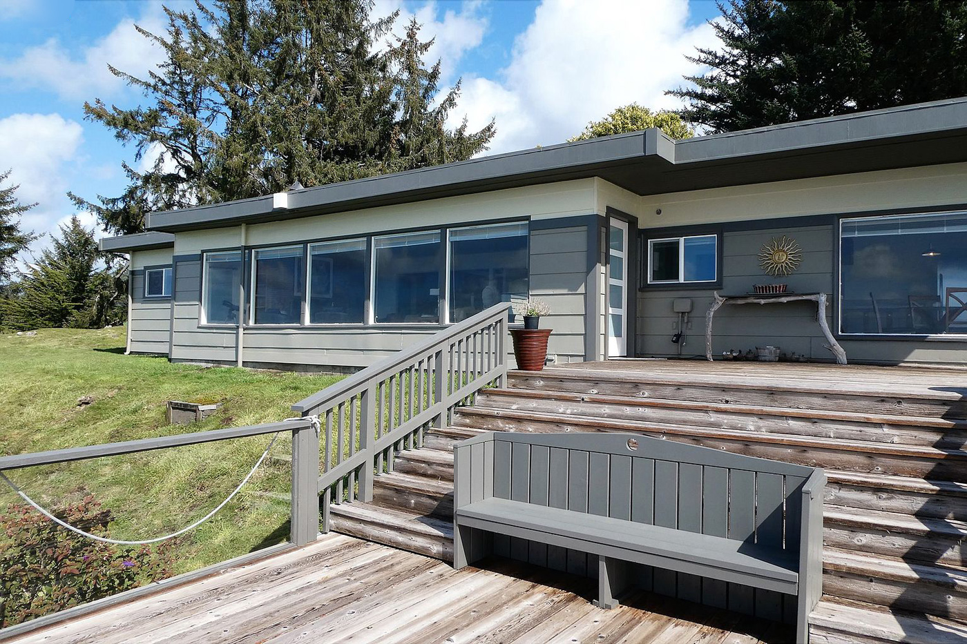 Gold Beach, Oregon Mid-Century Modern Home For Sale